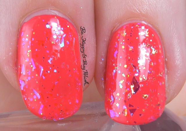 Sinful Colors Pink Ansen vs OPI I Lily Love You comparison in lightbox | Be Happy And Buy Polish