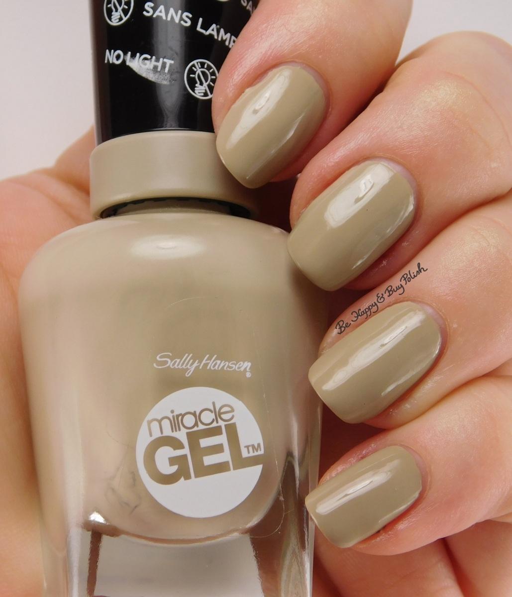 Gel Nail Polishes: Sally Hansen Miracle Gel Nail Polish Twiggy