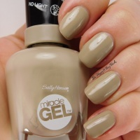 Sally Hansen Miracle Gel nail polish Twiggy