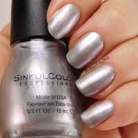 Sinful Colors Touch of Class + Velvet Ribbon swatches + review