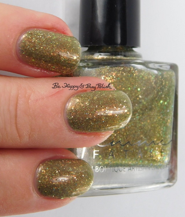 Femme Fatale Cosmetics Haunting Spectre 3-finger pose | Be Happy And Buy Polish