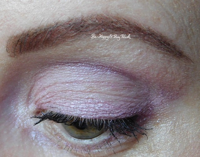 EOTD with Wet N Wild Loose Pigments Pegasus Flutter and Mythical Dreams eyeshadows | Be Happy And Buy Polish