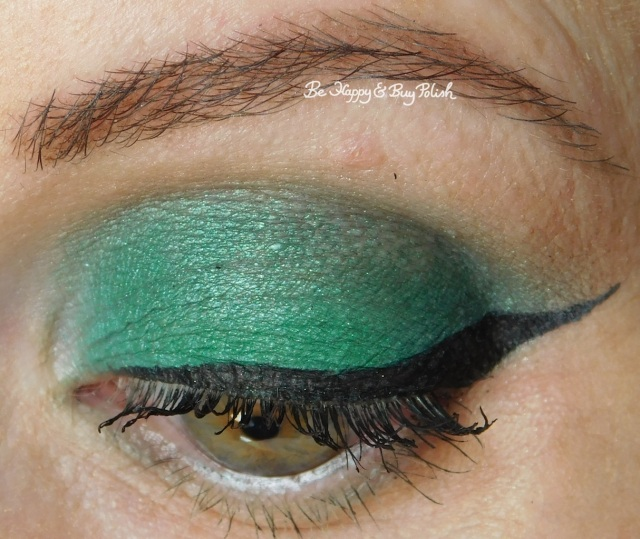 eyeshadow of the day Saucebox Cosmetics Jade, Urban Decay Hatter close up | Be Happy And Buy Polish