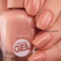 Sally Hansen Miracle Gel Frill Seeker swatch + review