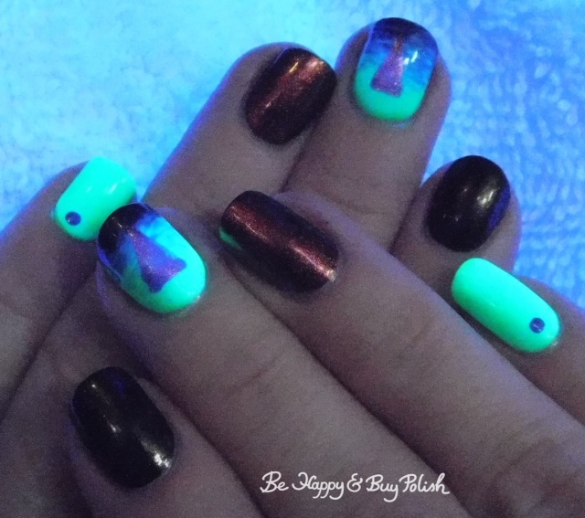 blacklight triangle design with L.A. Colors Glow Fluorescent, Tonic Polish Calcifer, China Glaze Wicked Liquid | Be Happy And Buy Polish