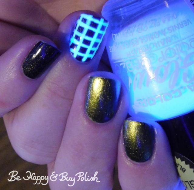 LA Colors Glows Energy, KBShimmer Fool Moon, China Glaze Maliboo-boo blacklight check manicure   Be Happy And Buy Polish