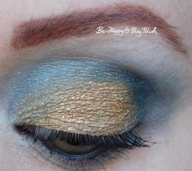 eyeshadow look Hot Topic Sanguis Draconis eyeshadow palette close up | Be Happy And Buy Polish