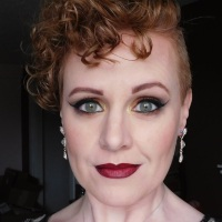 Dramatic makeup look for redheads with Notoriously Morbid, Nyx Cosmetics, Rimmel London, Wet N Wild