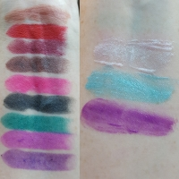 Sinful Colors Pout It Out and Pout Play lip swatches and photos